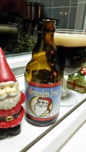 6. december. Det lille Bryggeri fik et forsøg mere og denne gang fejlede flasken ingenting.  En klassisk belgier, som de da også har fået brygget i Belgien hos Brouwerij Sterkens.